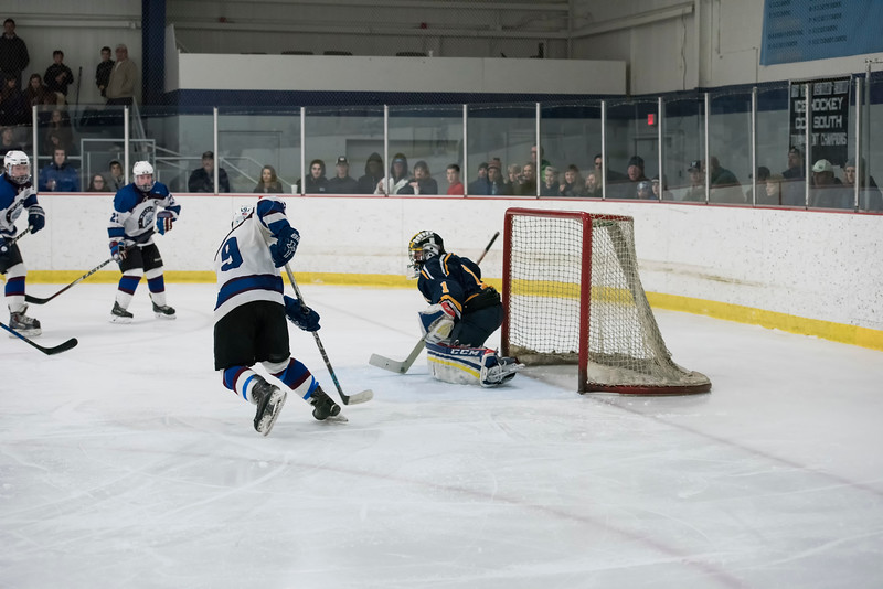 Wildcats Hockey 2-4-17_2262.jpg