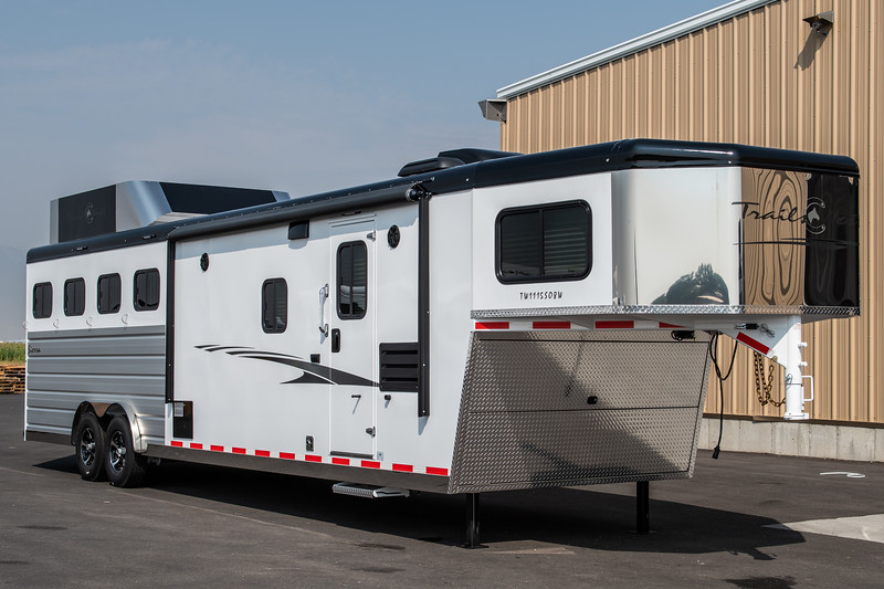 2019 TW Horse Trailers & Tack Rooms-155-2.jpg