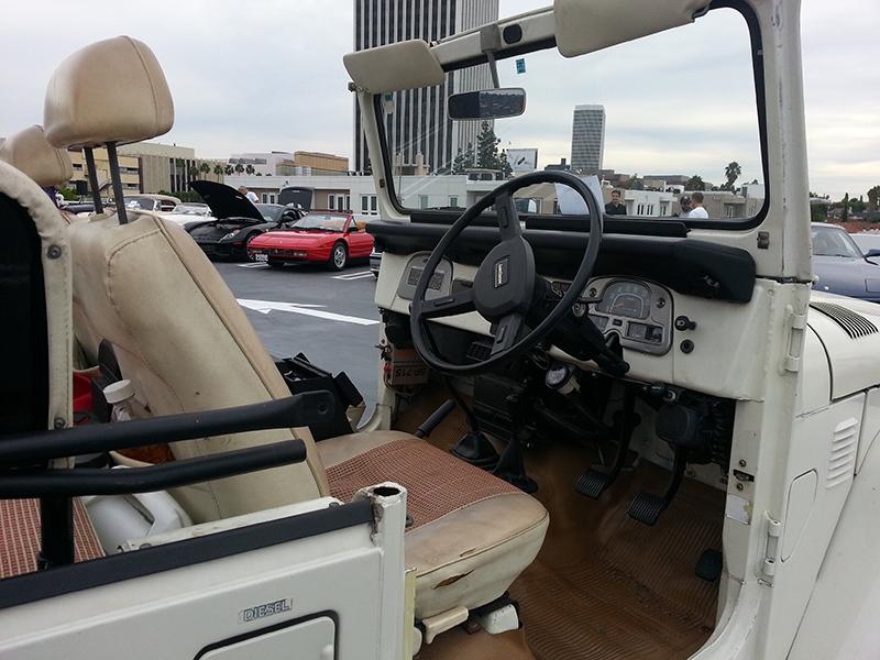 81 Toyota Land Cruiser RHD tan 107.jpg