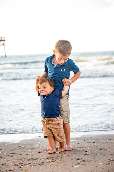 Family beach photos-131.jpg