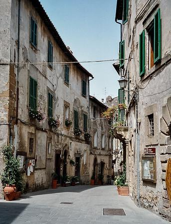 Street View, Tuscany, Italy