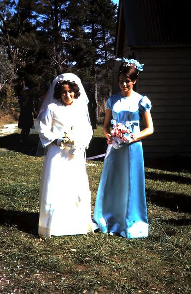 1970-4-18 (8) Anne & Dianne.JPG