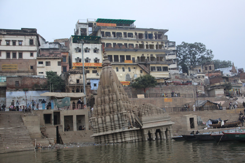 Scindia Ghat has collapsed temple