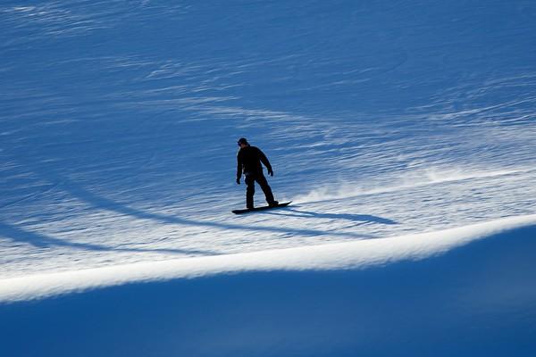 Snowboarding Japan