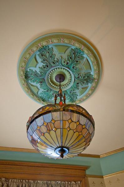 Wiedemann Hill Mansion - Tiffany lamp detail