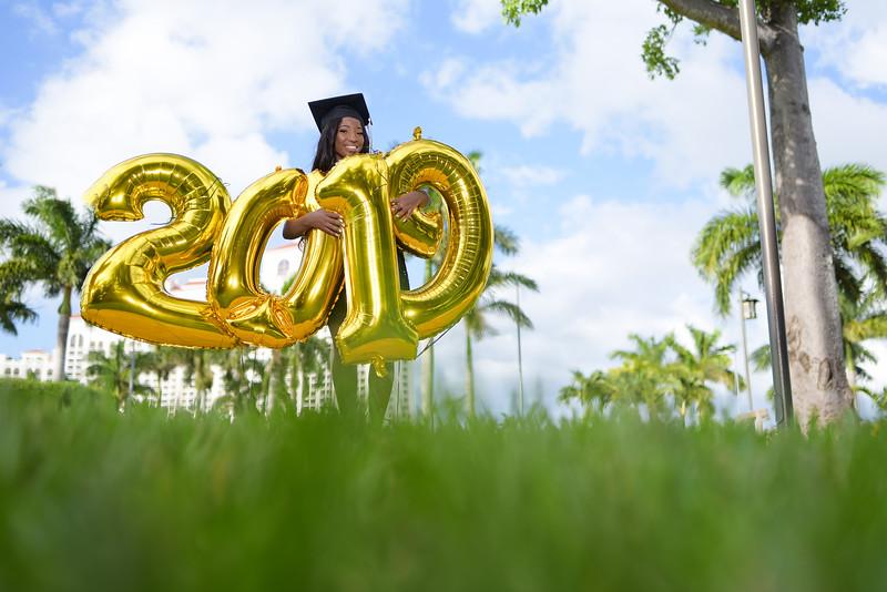 Xandrell Bain Graduation Photoshoot