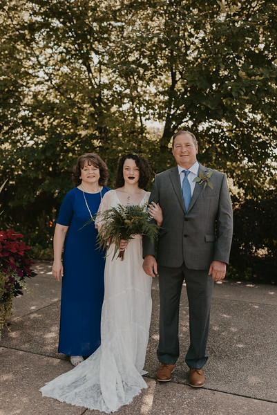 Bride Family Portraits-11.jpg