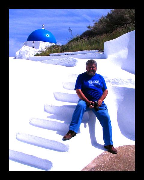 Chapel on Santorini - 2008.jpg