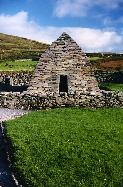 Gallarus Oratory, dates from the 8th century.
