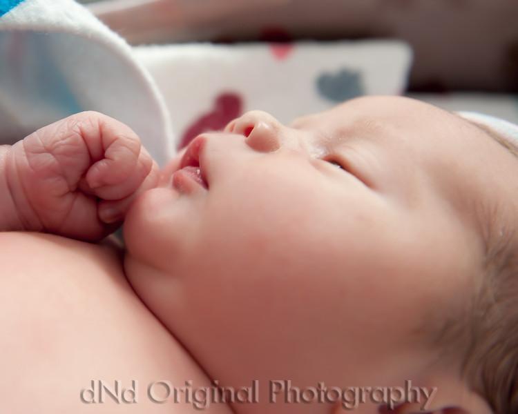 34 Kaelan Newborn (10x8).jpg