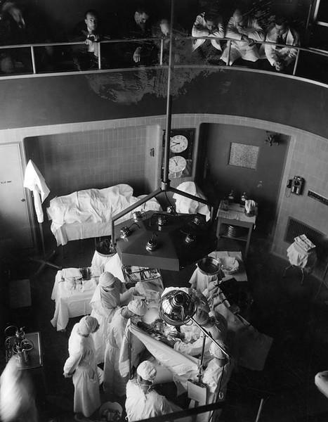 1934, Surgery Room