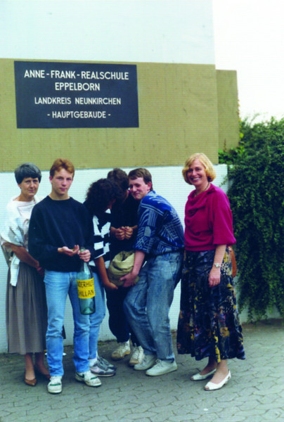 39 Soziales Engagement für Kinder Chillian.links-realschullehrerin.Ursel.Leistenschneider-rechts-Monika.Hoffeld.KinderhilfeChillian.jpg