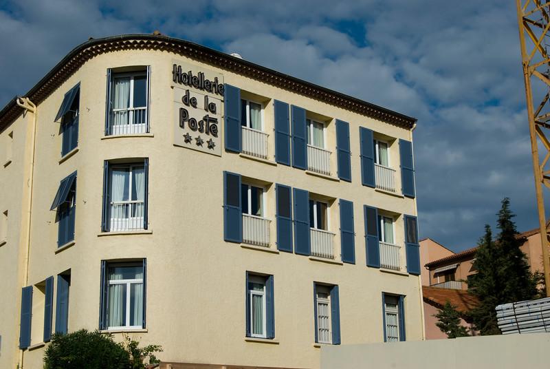 st max hotel.jpg