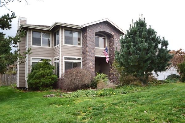 3504 197th Ave Ct E, Lake Tapps 98391