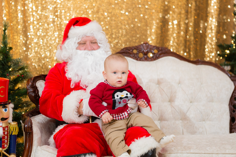 FADS Picture with Santa-190.jpg