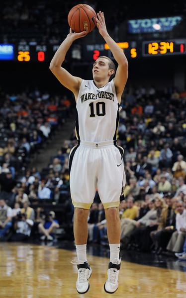 Chase Fischer 3-pointer.jpg
