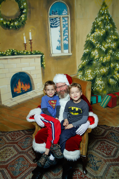 Pictures with Santa at Gezellig-175.jpg