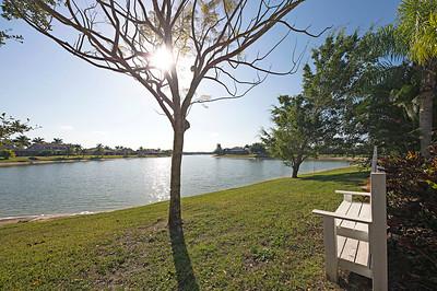 Valencia Lakes