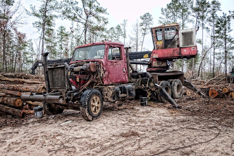 2008-12-26 log truck topaz P1000068.jpg