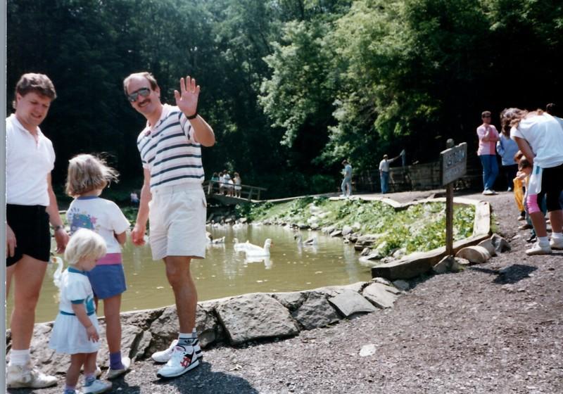 1989_Spring_Amelia_birthday_trip_to_pgh_debbie_0025_a.jpg