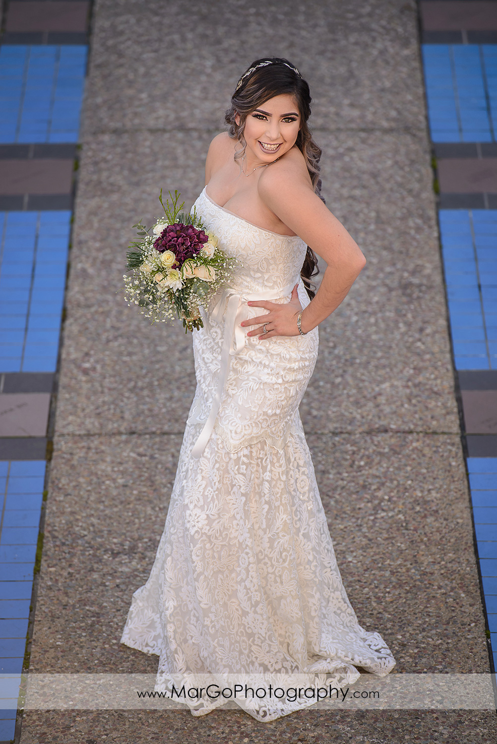 bride at Pleasant Hill City Hall