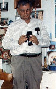1984 Dad w/camera xmas morning