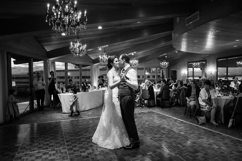 edgewater-hotel-spring-wedding-waterfront-downtown-seattle-wedding-carol-harrold-photography-17.jpg