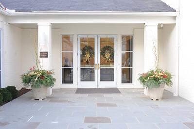 26475 Blaney House Wreaths