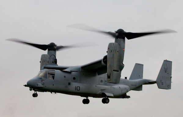 vf22 osprey lands at Hoffman Estates