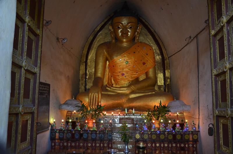 DSC_3910-mahabodhi-temple-buddha.JPG