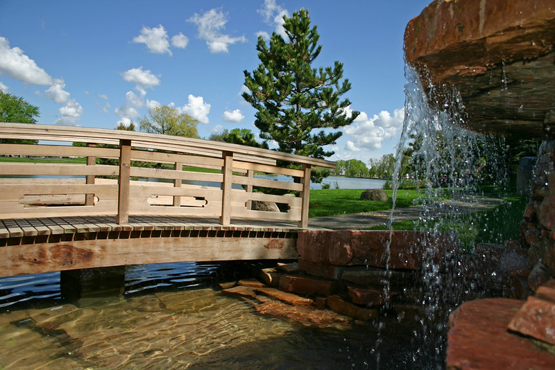 Sioux-Falls-Waterfall in Japanese Gardens.jpg