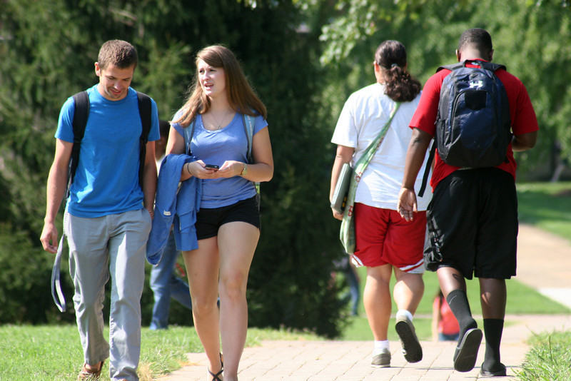 Gardner-Webb students waking to and from class on a fall day.