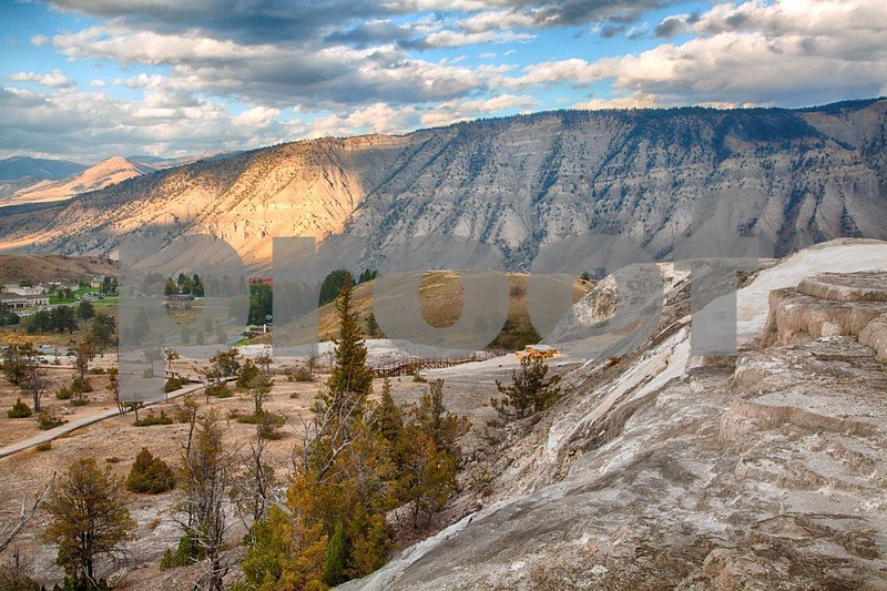 YNP Mammoth overview  4117_HDR.jpg