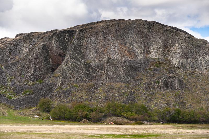 """Morro Chico, Ruta 9, entre Punta Arenas y Puerto Natales, Magallanes y Antártica Chilena, Chile. 52° 3'17.51""""S  71°25'32.35""""W"""