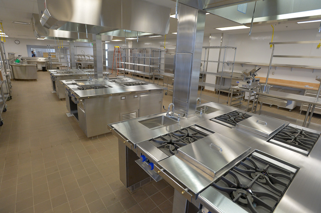 . A new state of the art kitchen lab is ready for culinary arts students at Leuzing High in Lawndale, CA on Tuesday, August 19, 2014. Lawndale and Leuzinger high schools begin Wednesday and students will be working in new buildings that were constructed with bond money. (Photo by Scott Varley, Daily Breeze)