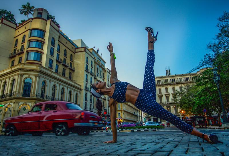 La Habana Vashistasana ~ Cuba