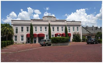 Savannah August