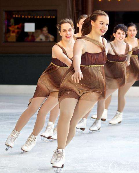 Skating  10062.jpg