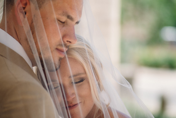 (Previews) Lauren & Billy @ The Cathedral Basilica