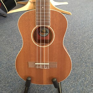 Amahi Tenor Ukulele with white binding