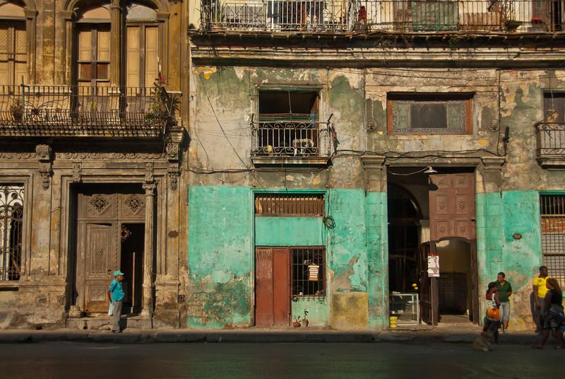 2011-04-04_Havana_OldTown_CasaBlanca_8065.jpg