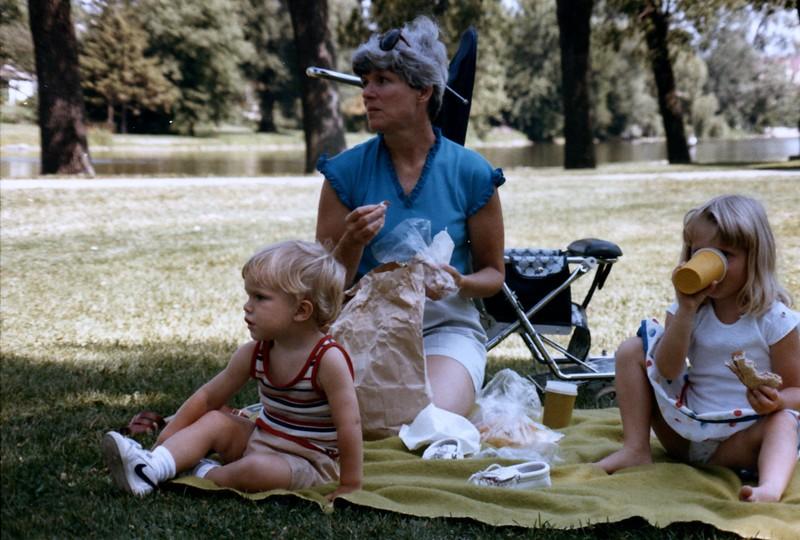 1985_July_Chicago_Fun_0027_a.jpg