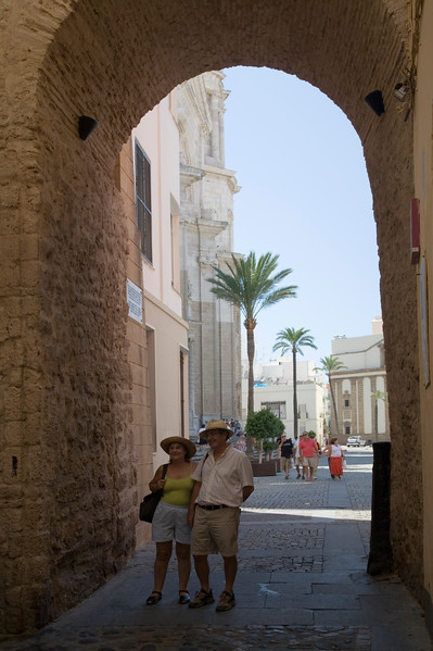 The Rose Arch (Arco de la Rosa) was built in the 13th century and was one of the gates of the city walls. It's very close to the Cathedral.