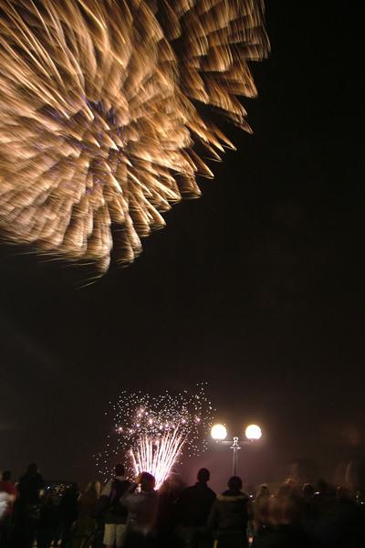 2005_1102canarywharffireworks009_edited-1.JPG