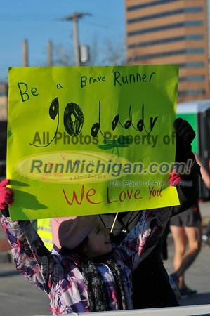 Start, Gallery 2 - 2013 Lansing Marathon and Half Marathon