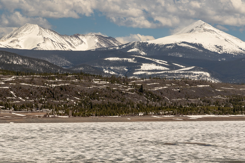 Dillon Reservoir and the Continental Divide, on April 27, 2019. Photo by Mitch Tobin/The Water Desk.