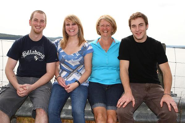 Deleo Family 2010