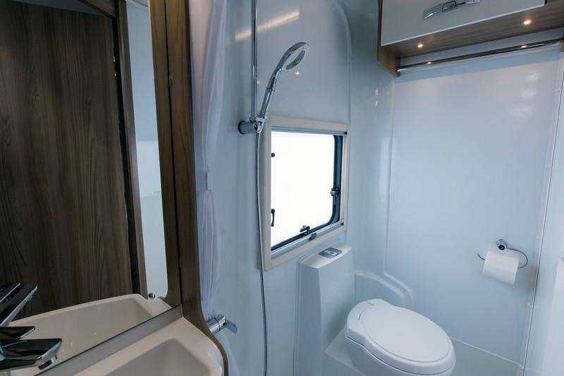 MoThomson_ScottishTourer_Islay_model_bathroom.jpg