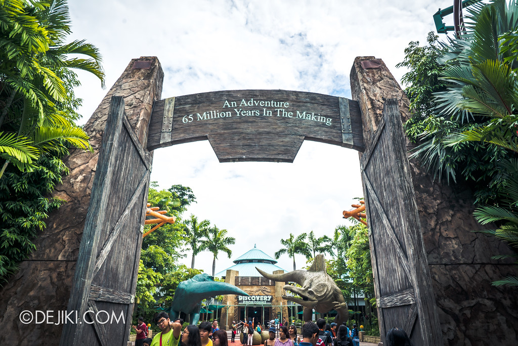 Universal Studios Singapore Park Update - Jurassic World Explore and Roar event - Jurassic Park Gates - An Adventure 65 Million Years in the Making