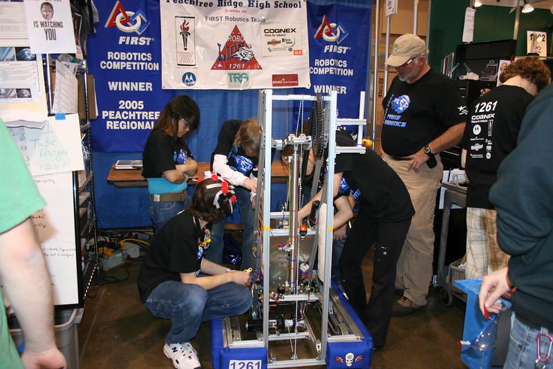 Robotics 2007 Peachtree Regional 195.JPG